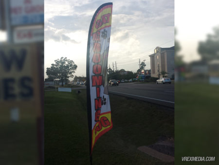 Road Side Flag - Pierres Too Pet Grooming